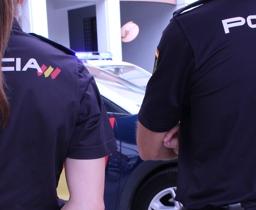 Policía pareja